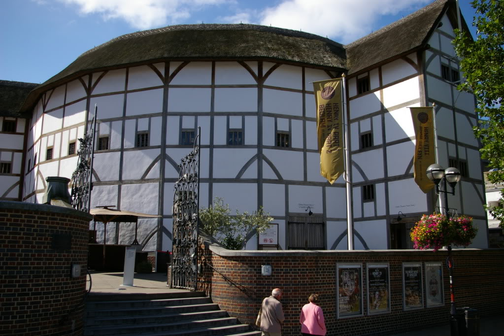 marriage and original globe theater The globe theater, where most of shakespeare's plays debuted, burned down on this day in 1613the globe was built by shakespeare's acting company, the lord chamberlain's men, in 1599 from the timbers of london's very first permanent theater.